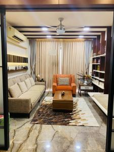 Gallery Cover Image of 3800 Sq.ft 4 BHK Apartment for buy in Gala Luxuria, Bopal for 32500000