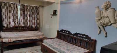 Gallery Cover Image of 670 Sq.ft 1 BHK Apartment for rent in Ganpati Niwas Co-operative Housing Society, Goregaon West for 25000