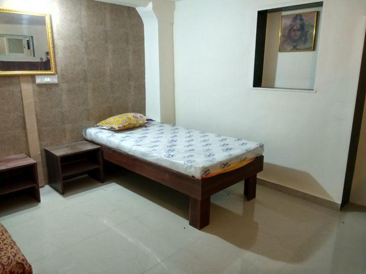 लोअर परेल में अमित अरोरा के बेडरूम की तस्वीर