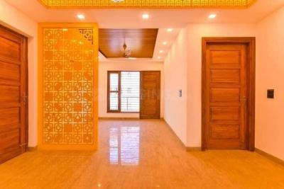 Gallery Cover Image of 2250 Sq.ft 3 BHK Independent Floor for buy in Sector 17 for 6400000