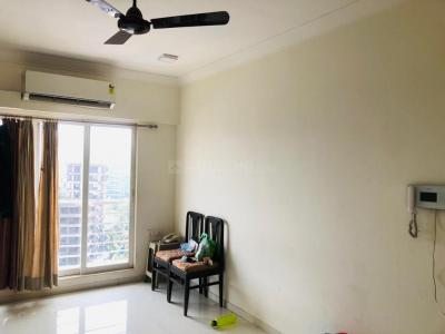Gallery Cover Image of 750 Sq.ft 1 BHK Apartment for rent in Crescent Landmark, Andheri East for 38000