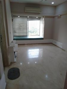 Gallery Cover Image of 2100 Sq.ft 4 BHK Apartment for rent in Juhu for 225000