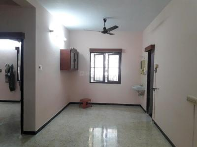 Gallery Cover Image of 900 Sq.ft 2 BHK Apartment for rent in Choolaimedu for 18000