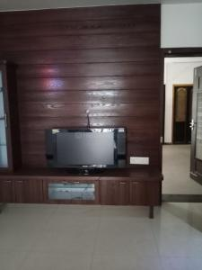 Gallery Cover Image of 2680 Sq.ft 3 BHK Apartment for rent in Bopal for 55000