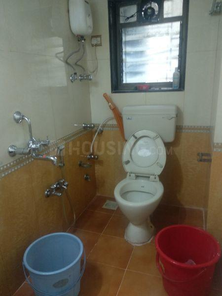 Common Bathroom Image of 950 Sq.ft 2 BHK Apartment for rent in Worli for 80000