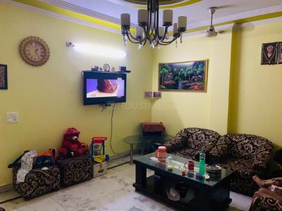 Gallery Cover Image of 1000 Sq.ft 3 BHK Independent Floor for rent in Dwarka Mor for 20000