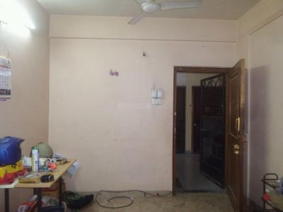 Gallery Cover Image of 900 Sq.ft 2 BHK Apartment for rent in Wanwadi for 16000