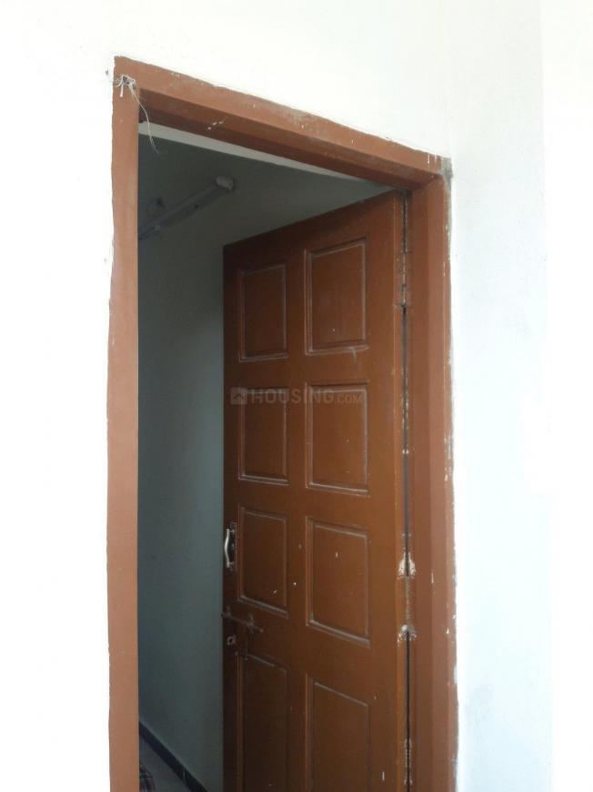 Main Entrance Image of 525 Sq.ft 1 BHK Apartment for rent in Thoraipakkam for 11000