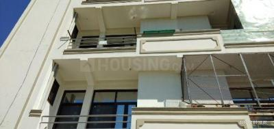 Gallery Cover Image of 850 Sq.ft 3 BHK Apartment for rent in Govindpuram for 7000