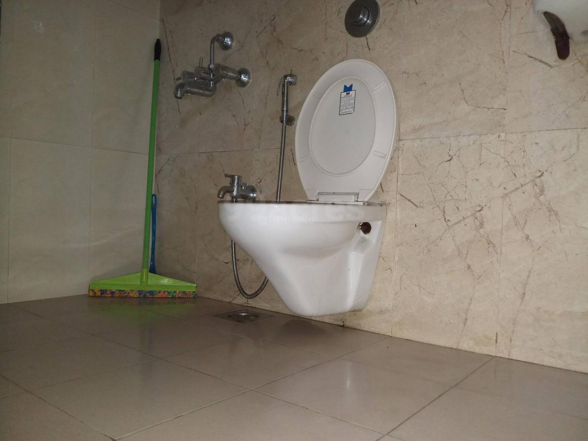 Common Bathroom Image of 1370 Sq.ft 3 BHK Apartment for buy in Kharghar for 14000000