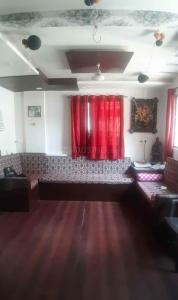 Gallery Cover Image of 890 Sq.ft 2 BHK Apartment for rent in Yerawada for 14000