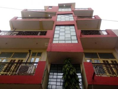Gallery Cover Image of 500 Sq.ft 1 BHK Independent Floor for rent in Sector 105 for 5500