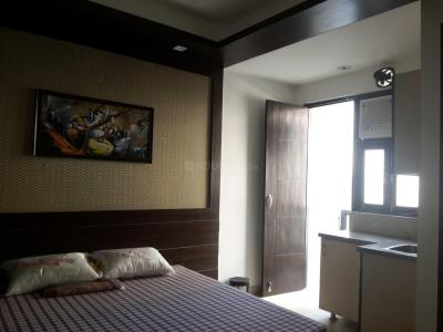 Gallery Cover Image of 250 Sq.ft 1 RK Apartment for rent in DLF Phase 3 for 13000