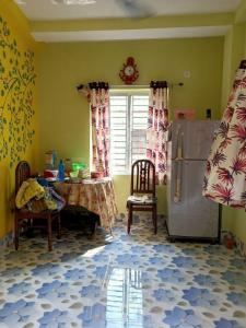 Gallery Cover Image of 500 Sq.ft 1 BHK Independent House for rent in baguiati market and residential complex, Baguihati for 7500