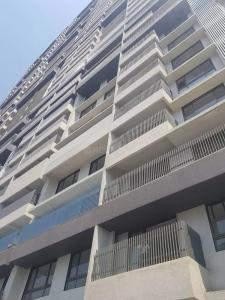 Gallery Cover Image of 2466 Sq.ft 4 BHK Apartment for rent in Malad East for 80000