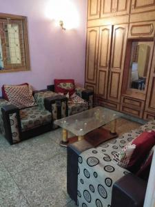 Gallery Cover Image of 800 Sq.ft 1 BHK Independent House for rent in Lajpat Nagar for 18000