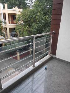Gallery Cover Image of 1300 Sq.ft 2 BHK Independent Floor for rent in Shanti Nagar for 35000