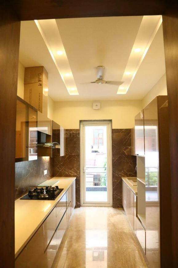 Kitchen Image of 1850 Sq.ft 3 BHK Independent Floor for buy in DLF Phase 1 for 25000000