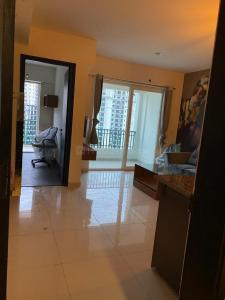 Gallery Cover Image of 685 Sq.ft 1 BHK Apartment for rent in Sunworld Arista, Sector 168 for 16000