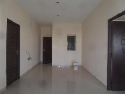 Gallery Cover Image of 879 Sq.ft 2 BHK Apartment for buy in Selaiyur for 4400000