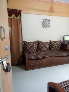 Gallery Cover Image of 635 Sq.ft 1 BHK Apartment for rent in Vasai West for 9000