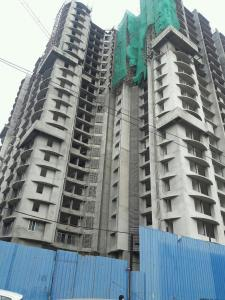 Gallery Cover Image of 900 Sq.ft 2 BHK Apartment for buy in Malad West for 12900000