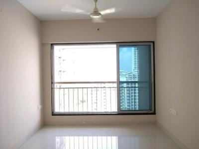 Gallery Cover Image of 650 Sq.ft 1 BHK Apartment for buy in Malad West for 10000000