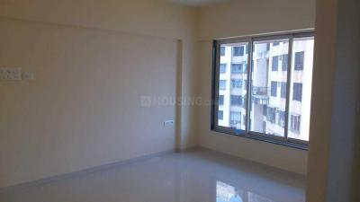 Gallery Cover Image of 645 Sq.ft 1 BHK Apartment for rent in Malad East for 25000