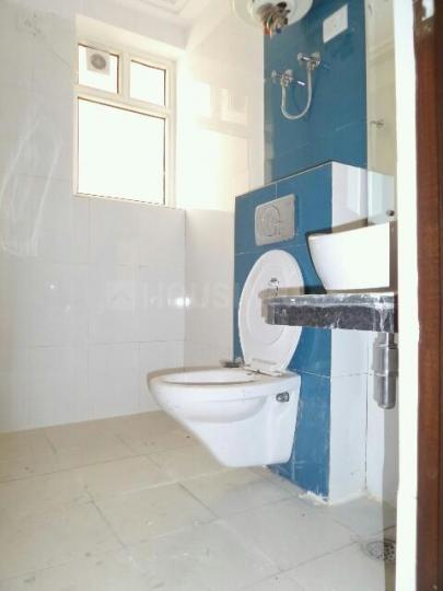 Bathroom Image of PG 4035456 Pul Prahlad Pur in Pul Prahlad Pur
