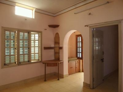 Gallery Cover Image of 800 Sq.ft 2 BHK Apartment for rent in Kumaraswamy Layout for 13500
