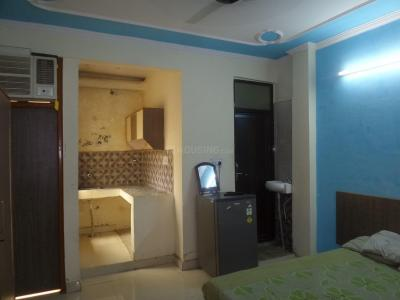 Gallery Cover Image of 400 Sq.ft 1 RK Apartment for rent in DLF Phase 3 for 12000