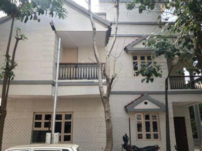 Gallery Cover Image of 2700 Sq.ft 3 BHK Independent House for buy in Vastrapur for 38000001