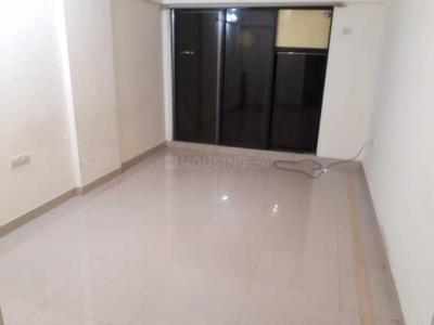 Gallery Cover Image of 650 Sq.ft 1 BHK Apartment for rent in Kandivali West for 19500
