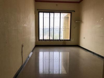 Gallery Cover Image of 590 Sq.ft 1 BHK Apartment for rent in Kandivali West for 19000
