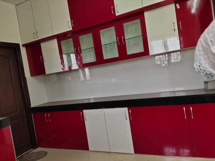 टोली चौकी में वाली तनवीर में किचन की तस्वीर