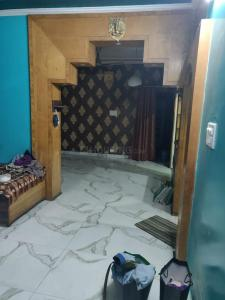 Gallery Cover Image of 900 Sq.ft 3 BHK Apartment for rent in SFS Flats Pocket D, Mayur Vihar Phase 3 for 25000
