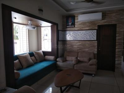 Gallery Cover Image of 2250 Sq.ft 3 BHK Apartment for rent in Bodakdev for 42000