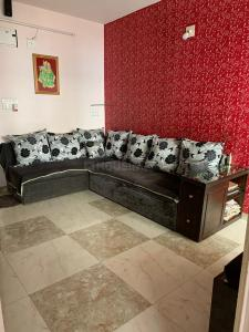 Gallery Cover Image of 630 Sq.ft 1 BHK Apartment for buy in Prahlad Nagar for 2750000