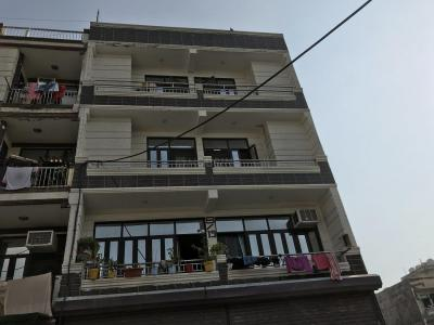 Gallery Cover Image of 600 Sq.ft 3 BHK Independent Floor for rent in DLF Ankur Vihar for 8000