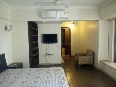 Gallery Cover Image of 900 Sq.ft 2 BHK Apartment for rent in Cuffe Parade for 155000