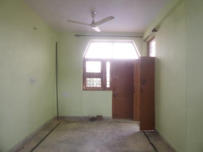 Gallery Cover Image of 900 Sq.ft 1 BHK Independent Floor for rent in Sector 45 for 14000
