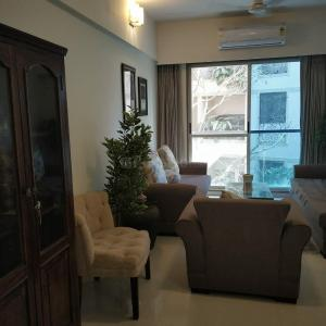 Gallery Cover Image of 1500 Sq.ft 3 BHK Apartment for rent in Parinee Aria, Juhu for 185000