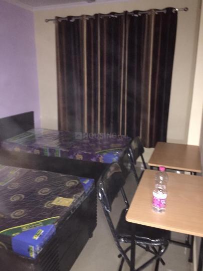 घिटोरनि में कपिल पीजी में बेडरूम की तस्वीर