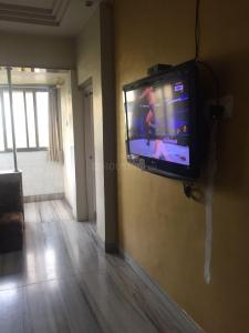 Gallery Cover Image of 900 Sq.ft 2 BHK Apartment for rent in Vinod Villa, Worli for 70000