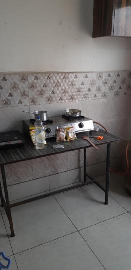 लक्ष्मी नगर में न्यू गर्ल्स पीजी में किचन की तस्वीर
