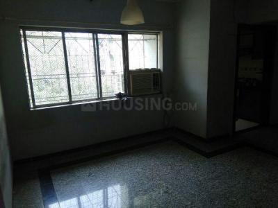 Gallery Cover Image of 750 Sq.ft 2 BHK Apartment for rent in Malad West for 30000