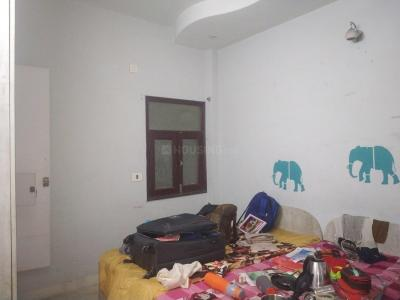 Bedroom Image of Vaishnavi Girls PG in Shakarpur Khas
