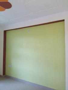 Gallery Cover Image of 625 Sq.ft 2 BHK Independent Floor for buy in Sector 105 for 2700000