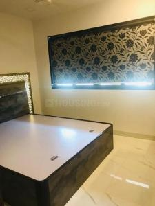 Gallery Cover Image of 700 Sq.ft 2 BHK Apartment for buy in Zears Shiv Asthan Heights, Bandra West for 40000000