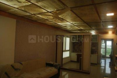 Gallery Cover Image of 1230 Sq.ft 2 BHK Independent Floor for buy in Tilawala for 2300000
